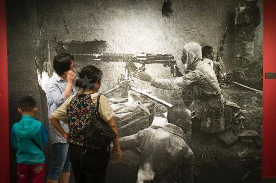 庆祝中国人民解放军建军90周年摄影展开幕