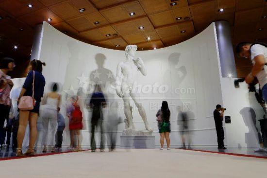 鸟巢首个国际艺术展开幕 米开朗基罗经典作品亮相