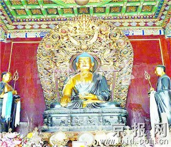 庙里木雕龙图片