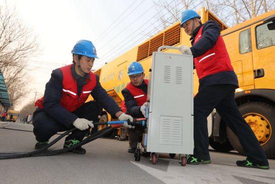 市供电公司全力保障春灌用电